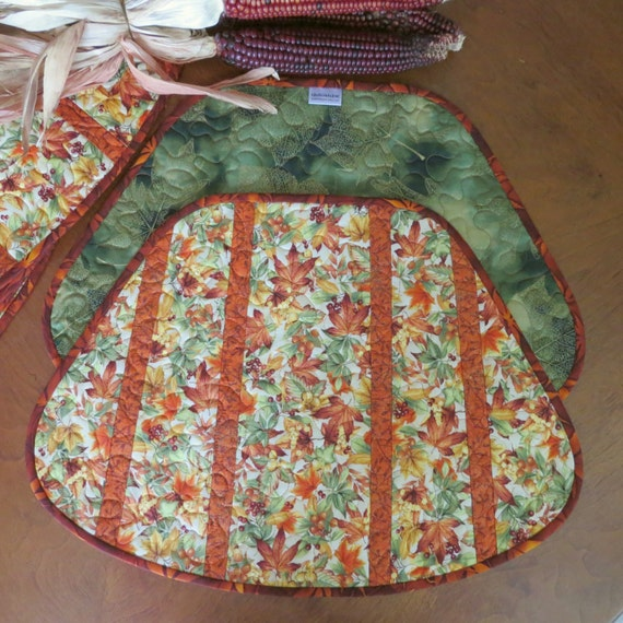 Quilted Autumn Placemats Fall Leaves and Berries by QuiltinWaYnE