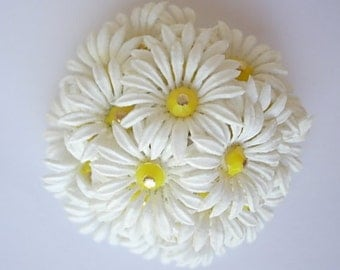 Hong Kong Daisy Soft Plastic Vintage Brooch Pin White Petals Yellow Faceted Rondelles Dimensional Round Floral Signed Lightweight Kitschy