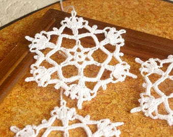 Crochet snowflakes Hanging ornaments Winter decor Crochet ornament White crochet snowflakes Handmade ornaments Festive snowflakes C