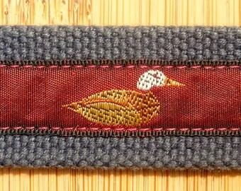 "FUNNY Vintage Trafalgar ""DUCKS"" Navy Blue Canvas & Ribbon Leather Surcingle Belt Size 30. Made in USA."