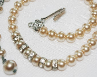 Vintage Necklace / Choker Ecru Pearl with Rhinestone Accents 1950s