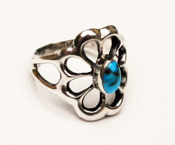 Sterling Turquoise Flower Ring - size 5  - Blue gemstone - old pawn - Floral
