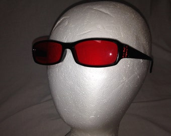 red tinted sun glasses