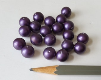 20 vintage purple pearlized beads 10mm