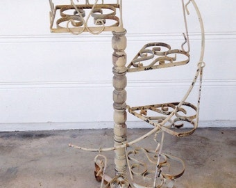 VINTAGE SPIRAL PLANT Stand Chippy Rusty Cottage Chic Shabby Beach