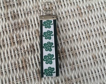 Green Shamrock Keychain - Womens Irish Key Fob