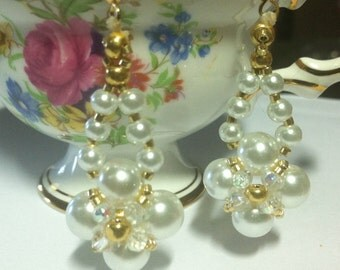 Pearl earrings, dangle earrings of glass pearls and gold Delicas