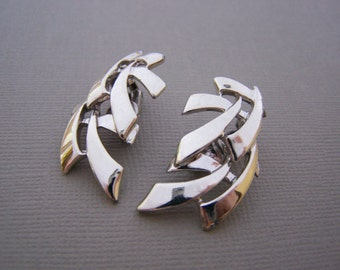 Vintage Silver Tone Abstract Clip On Earrings / Gift for Her / H250