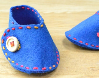 Wrap Over Felt Baby Shoe Sewing Pattern