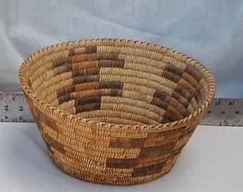 Native American Vintage Hand Woven Southwestern 13.5 inches Basket PIMA ? APACHE ?