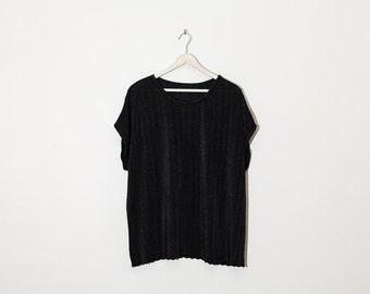 on sale - black silky textured t-shirt / oversized cap sleeve top / size XL / XXL