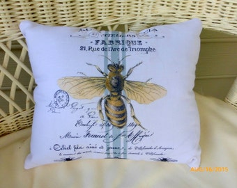 Paris Bee pillow - Vintage French Pillow - Decorative Throw Pillow - Bee pillow - Queen Bee pillow - Ivory Linen pillow - French Pillows