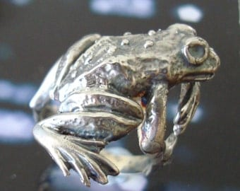 Solid 925 Sterling Silver Gothic Frog Ring