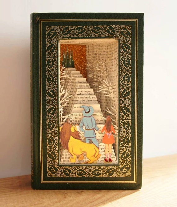 The wizard of oz altered book sculpture book decoration for Arnal decoration
