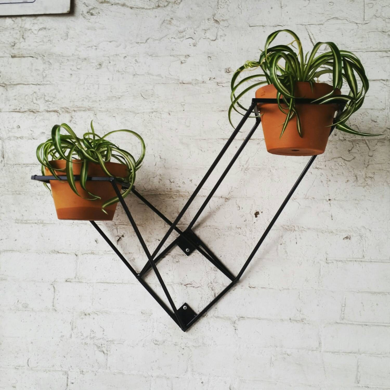wall mounted plant stand. Black Bedroom Furniture Sets. Home Design Ideas
