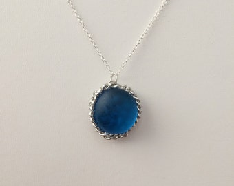 Blue glass chain necklace