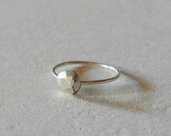 Nugget ring sterling silver ring minimalist and organic - AME D'ARGENT