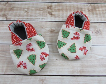 Christmas Baby Shoes, Red Green White Baby Booties, Reindeer Trees Polka Dot Baby Moccasins, Crib Shoes, Baby Slippers, Holiday Baby Shoes