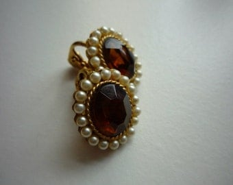 Vintage Gold Tone Faceted Topaz Lucite Pearl Faux Clip On Earrings