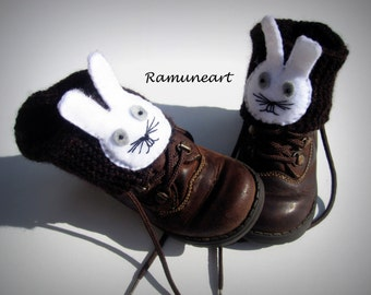 Knitted Boot Cuff Kids, Dark Brown Short Cable Knit Boot Cuffs, Short Leg Warmers. Bootsocks, legwear for kids with felt rabbit applique.