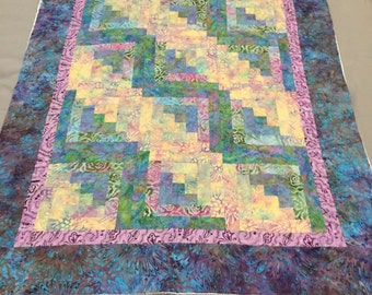 BALI Fabric Log Cabin Pattern Quilt