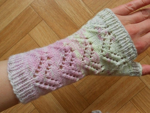 Lace Wristlets Knitting Pattern : Lace fingerless mittens knitting pattern by CuteCreationsByLea