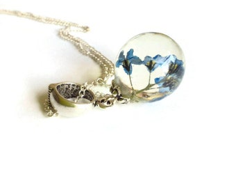 Sphere Forget me not resin pendant Real flower jewelry Terarrium necklace Clear resin jewelry Globe shape real flowers pendant