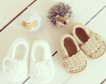 crochet baby loafers - newborn booties - hand knit baby shoes -  knitted boots