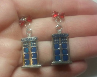 Bow ties are cool. Dr Who inspiried dangle earrings