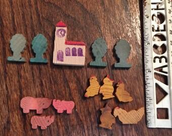Vintage miniature wooden farm set/13 pieces