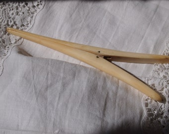 Antique bone glove stretchers/collectable antiques/Victoriana/gothic chic/Downton Abbey accessory/glove stretcher/burlesque gloves/gloves