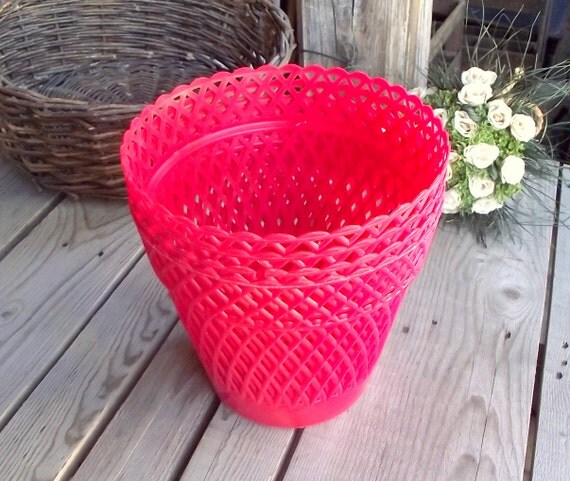 Red Pot Holders: Red Plastic Flower Pot Holders Set Of 4 By MyFrenchBricABrac