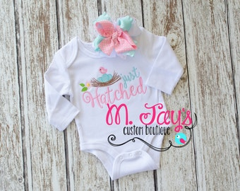 Just Hatched - Adorable custom girls outfit perfect for babyshower or bring home.