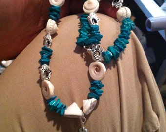 Turquoise and Ivory Shells Necklace