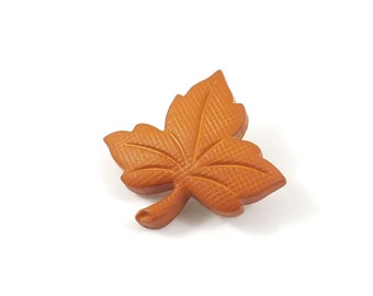 Orange Leaf Pin, Fall Jewelry, Fall Leaves, Autumn Brooch, Lapel Pin, Fall Brooch, Thanksgiving Pin, Thanksgiving Brooch, Fall Pin