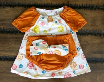 Organic baby girls dress 3-6 months with Bloomers and Knotted Headband/ Retro flower dress/ Girl peasant dress/ Hipster baby girl clothes