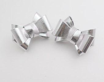 shiny,glossy RIbbon navy Bridal Shoe Clips,Shoe Clips,Wedding Clips, wedding shoes corsage,ribbon shoes clip,shoeclip,shoes clip