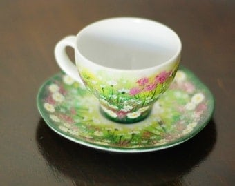 Hand-painted espresso cup with meadow