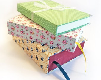 Pages to match your bag, Rebound book pages in the same fabric as your bag or purse, Novel recovered in fabric, Pretty on your bedside table