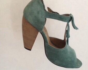 Green water sandal