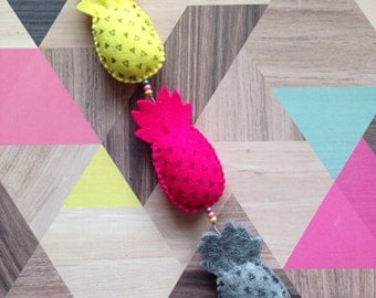 Mobile, pineapple (Pineapple), pink/yellow/grey (Pink/Yellow/Grey), 32 cm long (length), 4 cm wide (wide)