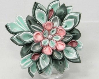 "Tsumami kanzashi flower brooch-hairclip ""Tenderness"""