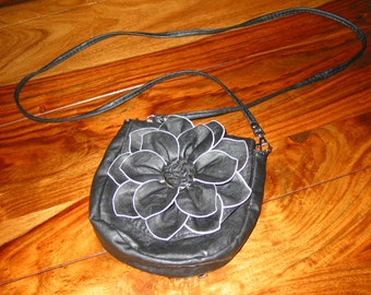 "Gorgeous Vintage Faux Black Leather Purse With 25"" Shoulder Strap"