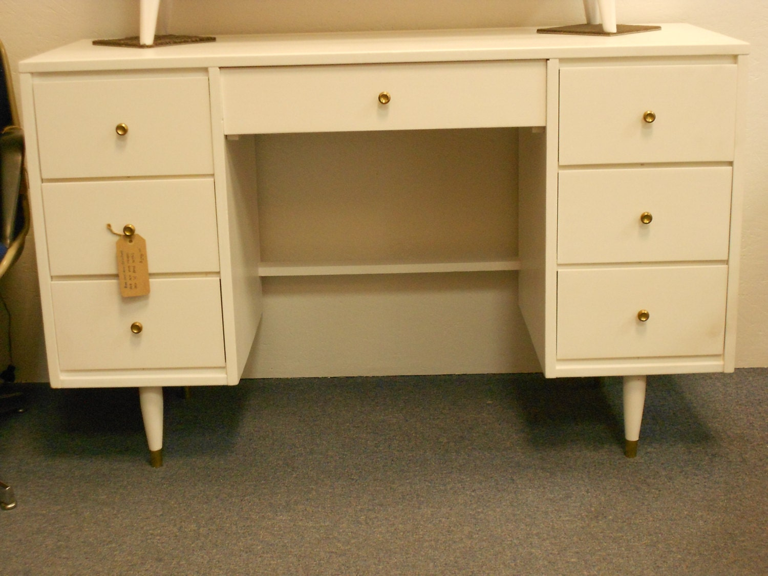 White Painted Wood Desk – Mid Century  Vintage – Haute Juice. Full resolution  picture, nominally Width 1500 Height 1125 pixels, picture with #B37C18.