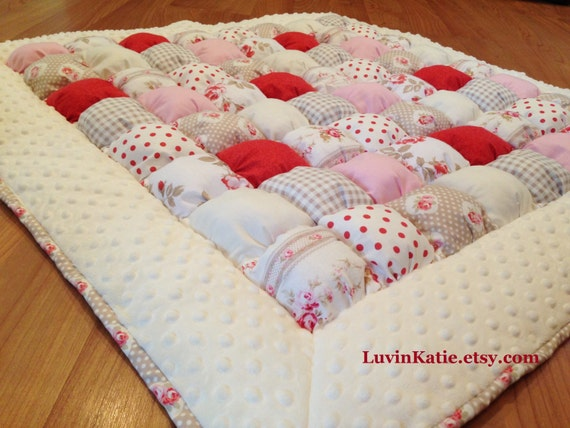 Bubble quilt puff quilt for baby floor time tummy by for Floor quilt for babies