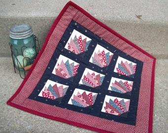 Mini Grandmother's Fan Quilt, Primitive Table Topper, Americana Mini Quilt, Patriotic Quilt Wall Hanging, Door Quilt in Navy & Burgundy