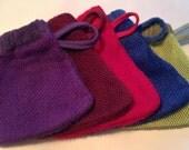 Exfoliating bath net washcloth mitt.