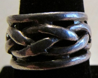 Sterling Silver Wide Band Ring with Braided Look. Size 8 1/2