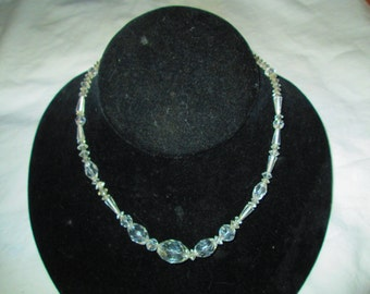 "Beautiful Vintage Crystal Necklace Excellent Condition 16"" Long"
