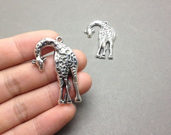 10 pcs of Antique Silver Lovely Giraffe Pendants Charms 30x43mm